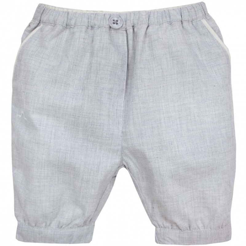 Pepa & Co offers a fantastic range of delicate baby bloomers in % cotton. This subtle collection combines single piece bloomers with trendy hand smocked shirt and short sets in .
