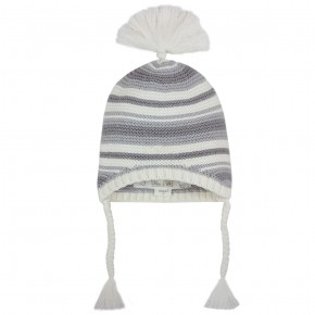 Beanies in multicolor stripes